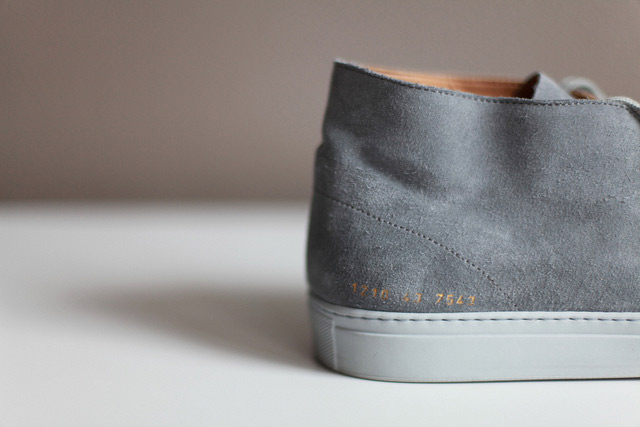 Common-Projects_Chukka-Suede_grey